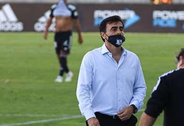 Gustavo Quinteros seguirá en Colo Colo. Foto: Internet