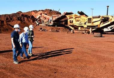 Inspección en la ESM. Foto: Ministerio de Minería