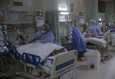 Atención de pacientes con Covid-19 en el hospital Baixo Amazonas, Brasil/Foto: AFP