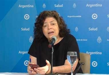 Carla Vizzotti en una conferencia de prensa