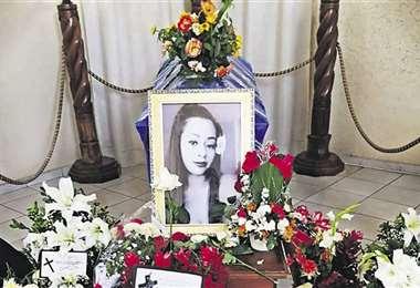 El cuerpo de Alejandra Vaca cuando fue velado