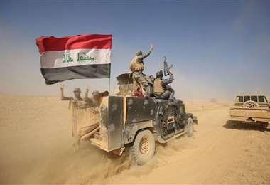 Fuerzas de seguridad iraquíes se enfrentaron hoy a un grupo del EI