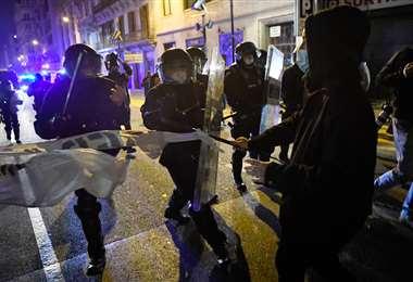 Protestas en Cataluña en contra del encarcelamiento del rapero Pablo Hasel. Foto: AFP