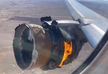 El motor derecho del Boeing 777 ardió en llamas.