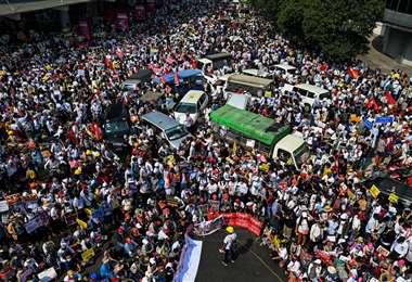 Protesta en Birmania contra el golpe de Estado/Foto: AFP