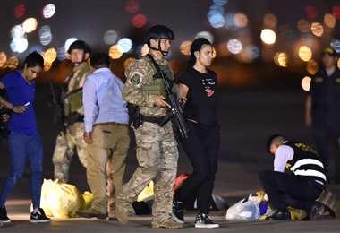 Un grupo de venezolanos es deportado en el Aeropuerto Internacional Jorge Chávez, en Lima