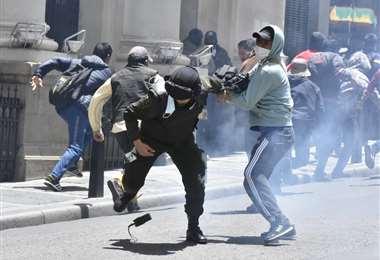 Enfrentamiento entre policías y cocaleros I APG Noticias.
