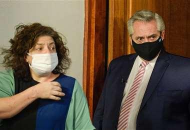 La ministra de Salud (izq.) y el presidente (der.) buscan transparentar el proceso