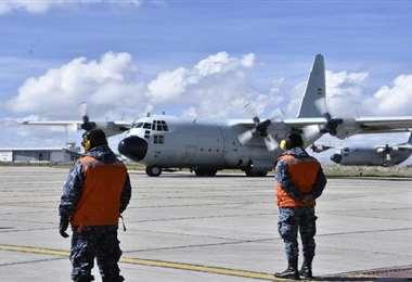 La aeronave arribó al aeropuerto de El Alto. Foto: Bolivia TV