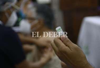 La vacuna china se distribuye en Santa Cruz. Foto Juan Carlos Torrejón