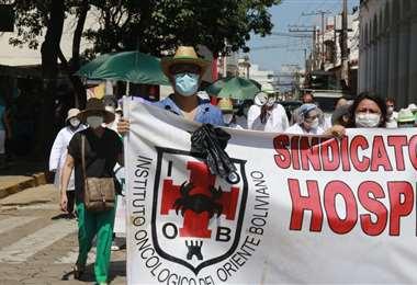 Personal de salud marcha contra la Ley de Emergencia Sanitaria/foto: Juan Carlos Torrejón