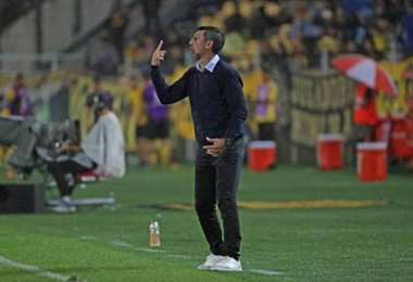 Cristian Díaz, entrenador de Royal Pari. Foto: internet