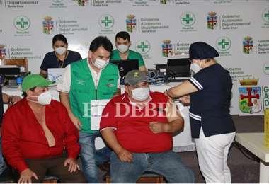 Personal del hospital San Juan de Dios ya recibió la primera dosis. Foto: Juan C. Torrejón