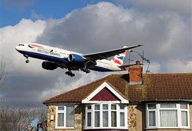 El avión tuvo que aterrizar de emergencia. Foto AFP