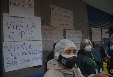 La vacunación continúa mientras los trabajadores de salud protestan en La Paz. Foto: APG