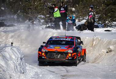 Tänak fue el mejor este domingo del Rally Ártico que se corrió en Finlandia. Foto. AFP
