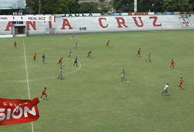 Imagen de una de las jugadas del partido. Foto: Captura video Royal Pari