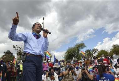 Yaku Pérez es el primer candidato indígena en 15 años y realizó su cierre de campaña