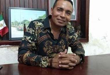 Se desempeñaba como alcalde de Chahuites