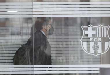 Graell, Chief Marketing Officer y director de marca, ingresa a las oficinas del club. AFP