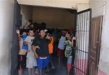 Reos se amotinaron en Trinidad