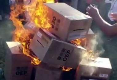 E Colpa Bélgica manifestaron su descontento con la quema de ánforas
