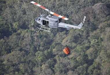 Helicópteros se suman a las tareas en Guatemala. Foto AFP