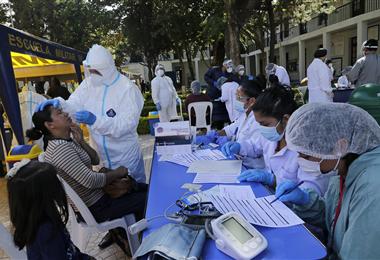 Este 10 de marzo se cumple un año de los dos primeros casos en Bolivia. Foto. APG