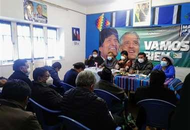 La reunión del MAS I Twitter.