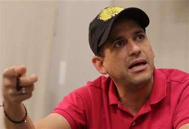 Camacho pide a Arce trabajar por el país