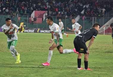La celebración de Isita tras marcar su gol ante Always Ready. Foto: Real Tomayapo