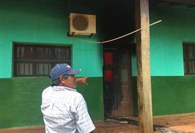 Destrozos en el comando de la policía de San Ignacio/Foto: Carlos Quinquiví