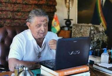 Paz Zamora convoca a ex mandatarios para impedir el retorno de la dictadura
