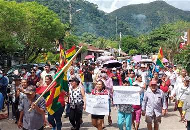 Los pobladores de Rurenabaque piden que se respeten los derechos de la mamá de Yerko Núñez
