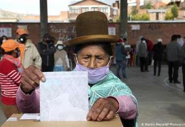 Solo restan conocer los resultado de La Paz y El Alto para cerrar el mapa electoral. DW