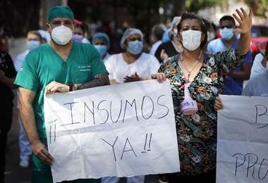 Continúan las movilizaciones ciudadanas en protesta por la falta de medicamentos