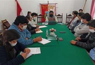 Cívicos de Tarija en reunión