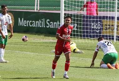 Carlos A. Melgar es el goleador de Royal Pari, con cinco tantos: Foto: Fuad Landívar