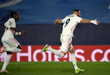Benzema celebra su gol ante el Atalanta. Foto: AFP