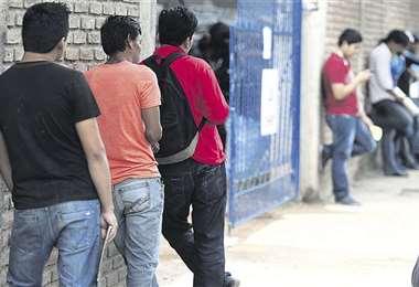 Los jóvenes son los más afectados/Foto: EL DEBER