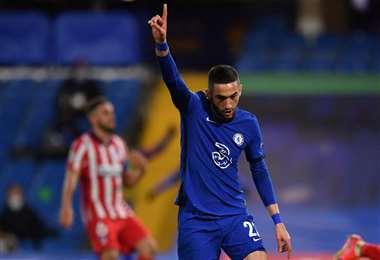 Ziyech inauguró el marcador para el Chelsea. Foto: AFP