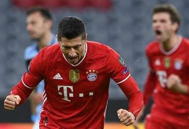 Lewandowski festeja el primer gol del partido para Bayern de Múnich. Foto: AFP