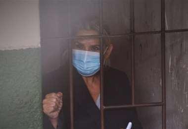 Regimen penitenciario no vio necesario el traslado de Áñez a un hospital. Internet