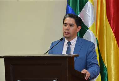 La renuncia irrevocable de Cossío (foto) fue remitida a Juan Lanchipa