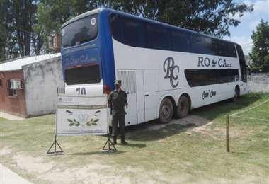 El bus decomisado por las autoridades argentinas. Foto El Tribuno