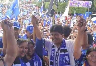 Evo haciendo campaña en Yapacaní