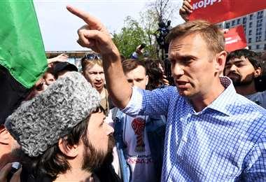 Navalni junto a activistas rusos. Foto AFP