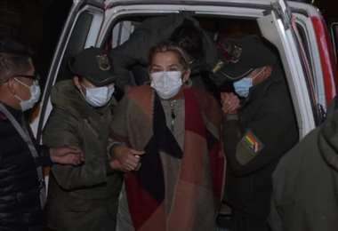 La expresidente cuando es trasladada de penal/Foto: APG
