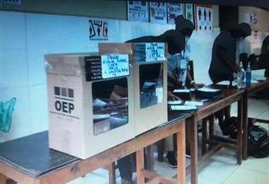 Las elecciones se realizaron sin contratiempos en 13 mesas