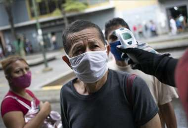 """La variante brasilera nos está forzando a ir al punto cero"", advirtió Maduro"